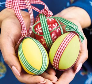 DIY Decorated Eggs