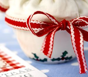 Stitched Gingham Christmas Pudding Card