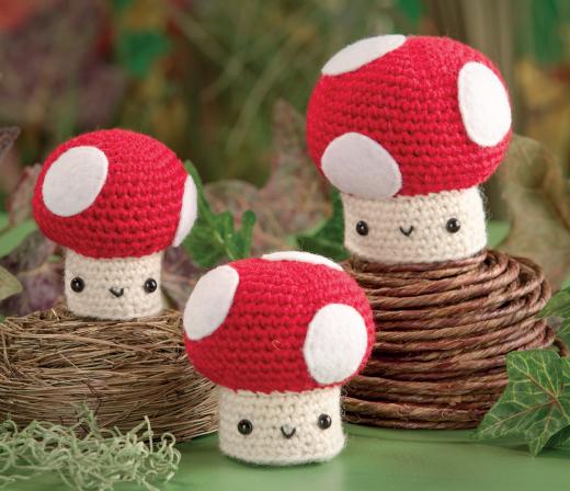 Amigurumi Craft Magazine : Amigurumi Toadstools - Free Craft Project Knitting and ...