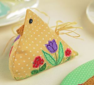 Chicken egg cosy and gift tag