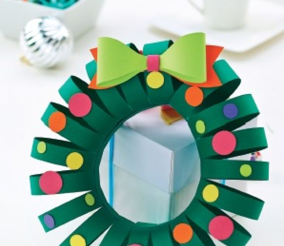 Simple Christmas Papercraft Wreath Template  Free Card Making