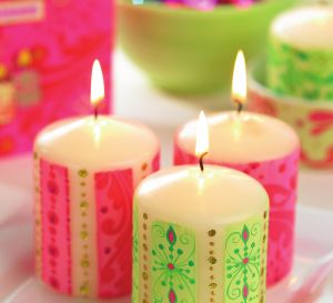 Decorate Candles With Festive Paintwax