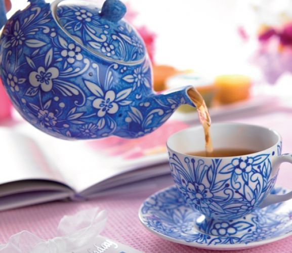 exquisite teapots cups and saucers