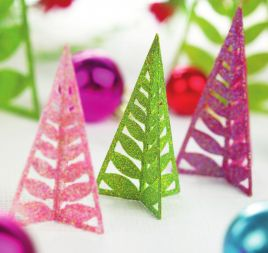 Glitzy Christmas Table Decorations