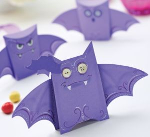 Halloween Trick or Treat Bat Boxes